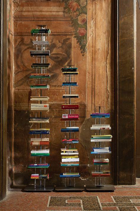 librerie a colonna libreria a colonna in metallo e metacrilato 6 10 14