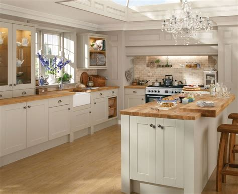 howdens cuisine burford grey kitchen shaker kitchens howdens joinery