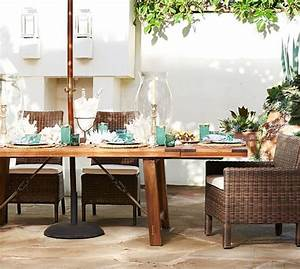 Benchwright Outdoor Rectangular Extending Dining Table