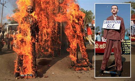 Sebastian Coe burned in effigy: at last!