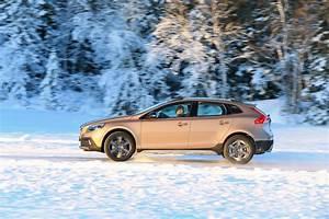 Fiabilité Volvo V40 : essai volvo v40 cross country le d4 190 ch l 39 essai photo 2 l 39 argus ~ Gottalentnigeria.com Avis de Voitures