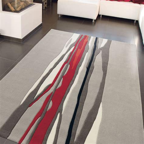 tapis gris rouge