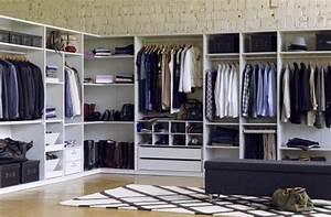 Offenes Schranksystem Ikea : dieser offene schrank geht um die ecke und h llt somit ~ A.2002-acura-tl-radio.info Haus und Dekorationen