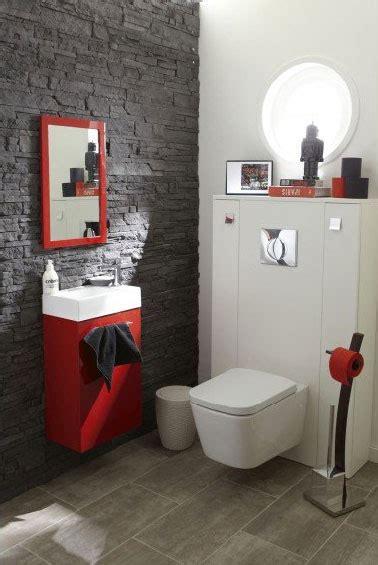 le carrelage wc se met  la couleur pour faire la deco