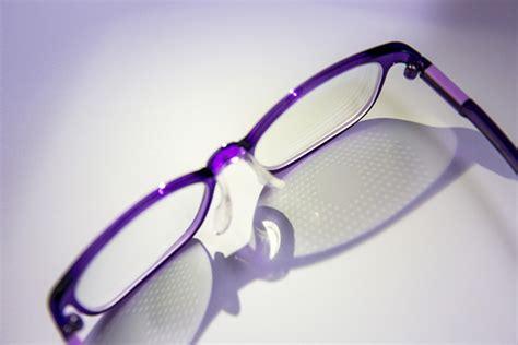 spectacle lens designed  polyu slows myopic progression    stops    children