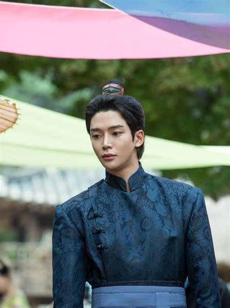 Top 10 Most Handsome K-Pop Acting-Dols In Korean ...