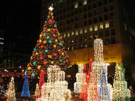 magnificent mile lights festival  streeterville