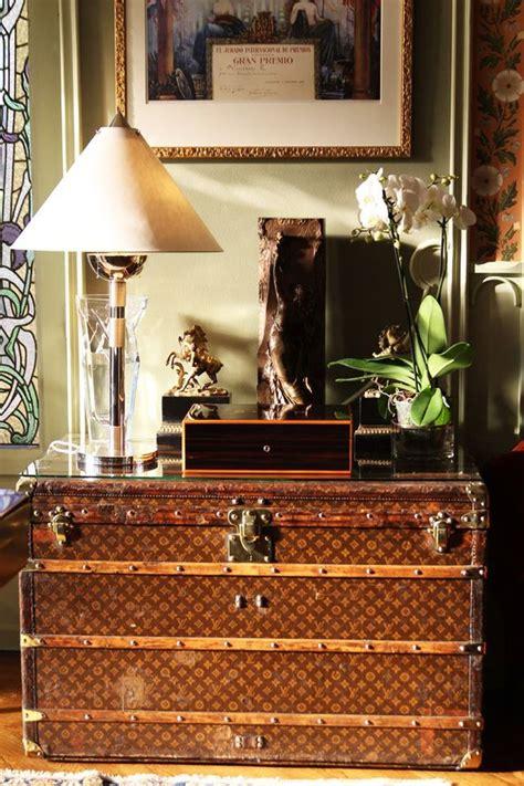 Table book från louis vuitton. Fashionable home accents: the Louis Vuitton trunk — The ...
