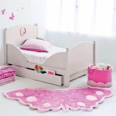tapis chambre de fille tapis chambre d39enfant et bebe With déco chambre bébé pas cher avec coussin tapis de fleurs
