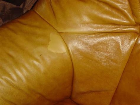 canapé cuir déchiré canapé cuir 3 places usé et déchiré sofolk