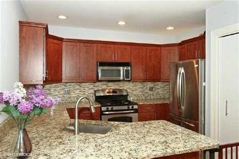 custom designed kitchen 3051 n clifton unit 1 chicago il 60657 mls 08976935 3051