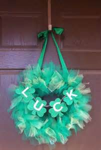DIY St. Patrick's Day Wreath Idea