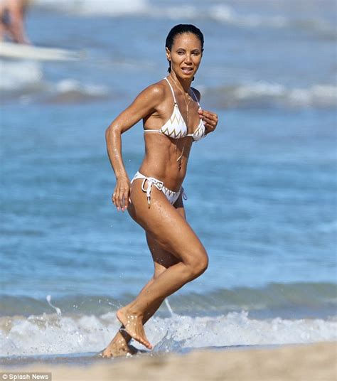 will smith bikini jada pinkett smith and daughter willow 16 show off their