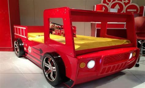 chambre a air de camion déco chambre garçon 27 idées originales thème voiture