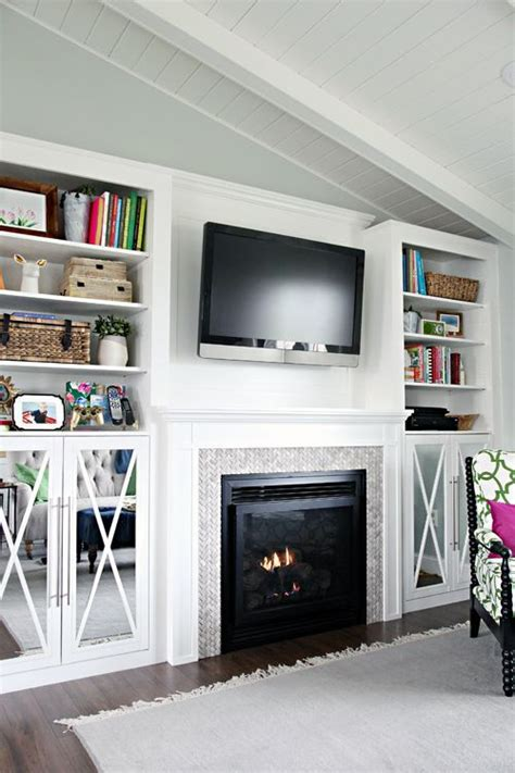 Built In Cupboards Next To Fireplace by Best 25 Fireplace Built Ins Ideas Only On