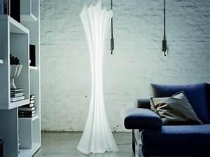 Lampe De Salon : lampe de salon design pour accueillir l 39 l gance la maison ~ Teatrodelosmanantiales.com Idées de Décoration