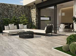 les 25 meilleures idees de la categorie carrelage piscine With carrelage terrasse exterieur moderne
