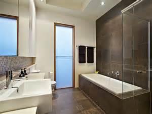 wohnideen small bathroom modern bathroom design with recessed bath using marble bathroom photo 214237