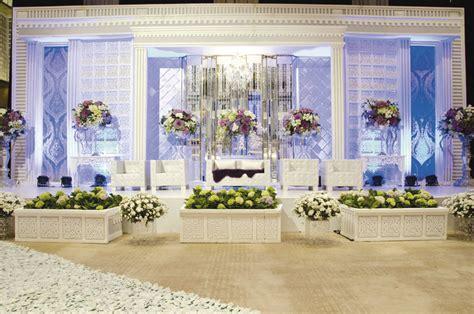 dekorasi modern  pernikahan tradisional weddingkucom