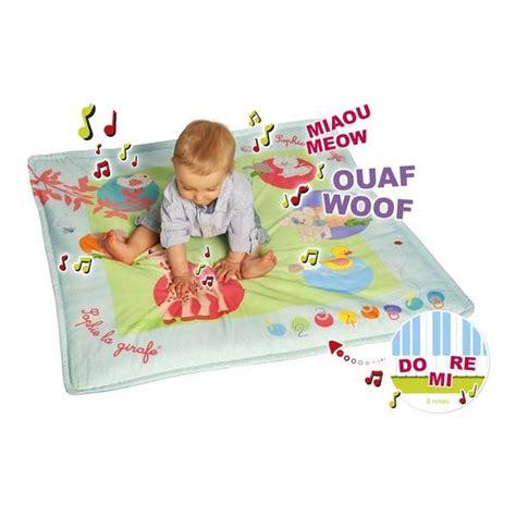 tapis touch play la girafe vulli king jouet