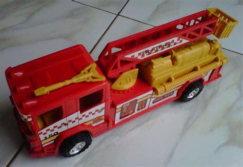 mainan anak truk pemadam kebakaran jual mainan mobil truk pemadam kebakaran rescue
