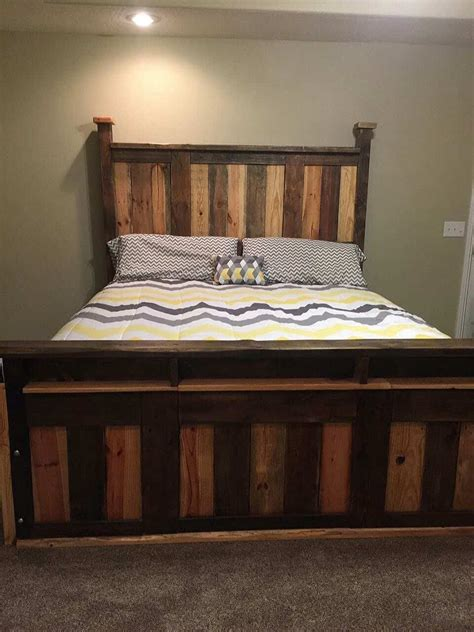 Size Pallet Bed Plans by Two Toned Pallet King Size Bed Frame 1001 Pallets