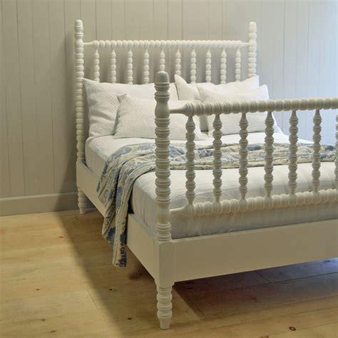wooden spindle furniture  staple   farmhouse
