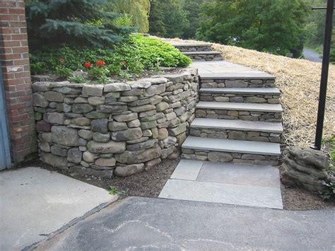 Stone Step Pictures   Shale Stone, Bluestone, and Natural Stone Steps