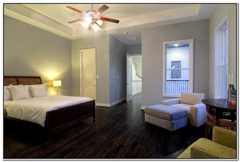 what wall colors go with wood floors bedroom and