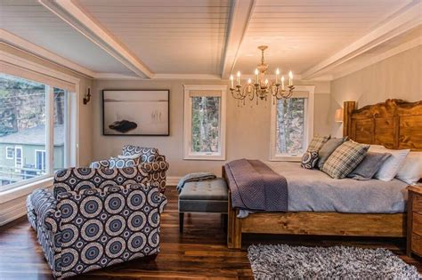 crown moldings in a bedroom with a low ceiling