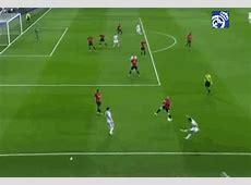 Cristiano Ronaldo Jumps Freakishly High At Portugal