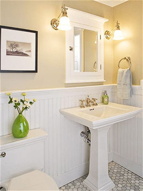 beadboardwainscotting  bathroom