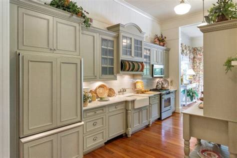 pin  kaye harris  kitchens guest cottage home cool kitchens