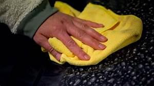 Autolack Kratzer Entfernen : leichte kratzer im autolack entfernen dieses hausmittel macht den unterschied auto ~ A.2002-acura-tl-radio.info Haus und Dekorationen