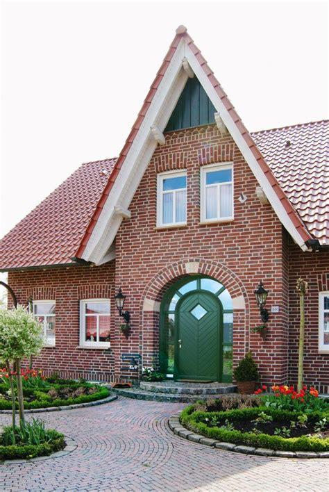 Moderne Häuser Mit Holzfenster by Haust 252 Ren In 2019 Haust 252 Ren Br 214 Cking Fenster Haus