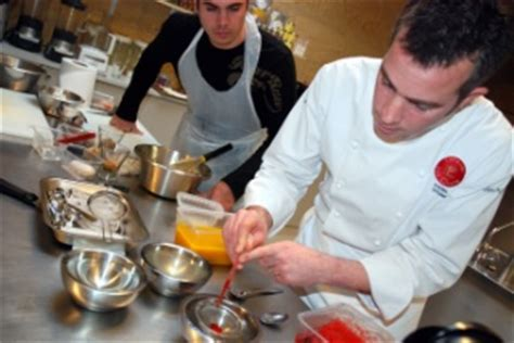 atelier cuisine mol馗ulaire la cuisine mol 233 culaire fait entr 233 e 224 l atelier des chefs