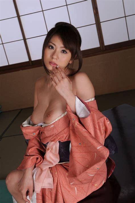 nude japanese girl kimono