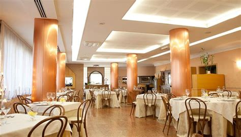 Illuminazione Ristorante by Restaurant Lighting Solutions