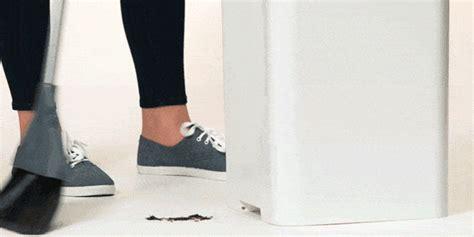trash    dust sucking vacuum   bottom