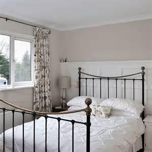 Beach Themed Bathroom Decorating Ideas by White And Cream Bedroom Bedroom Decorating Housetohome