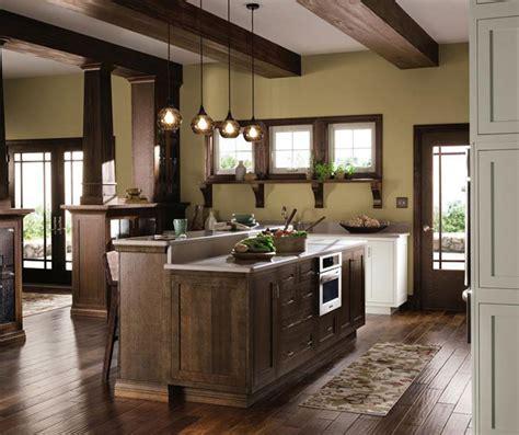 Quartersawn Oak Cabinets In Rustic Kitchen Decora