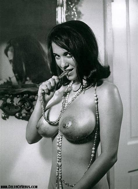 Virginia Bell Vintage Nude Pin Up