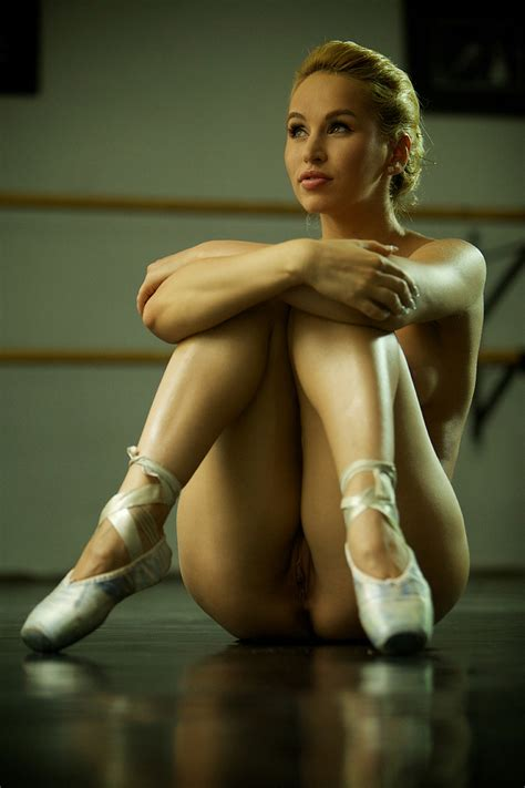 Naked Ballet Practice | Beautiful Aleska in the so called ...