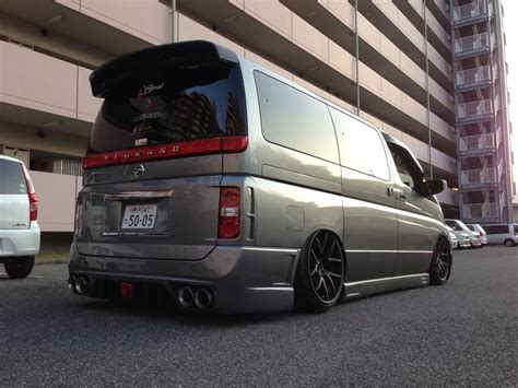 Nissan Elgrand Modification by Nissan Elgrand E51 Tuning 8 Tuning