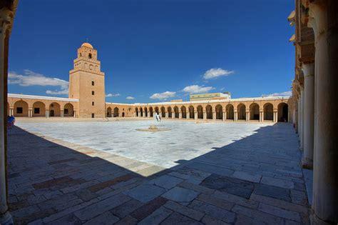 카이르완  서부 무슬림 세계의 첫 수도