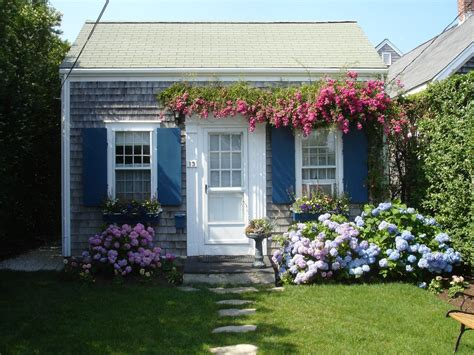 Charming Brant Point Rose Covered Cottage