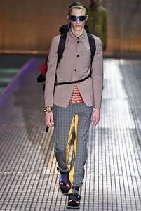 Milão: Prada Verão 2017 - Moda Sem Censura