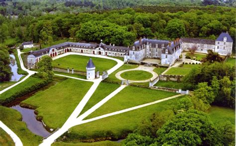 les chambres d bordeaux château de gizeux bâti au 14ème siècle de 5 chambres à