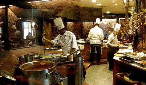 delhi cuisine live king size at itc maurya sheraton delhinew delhi hotels