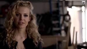 Liv intenta matar a Elena / Liv tries to kill Elena 5x17 ...